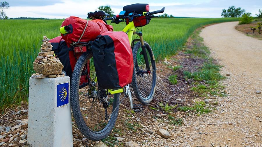 ¿Qué llevar al camino de Santiago en bici?